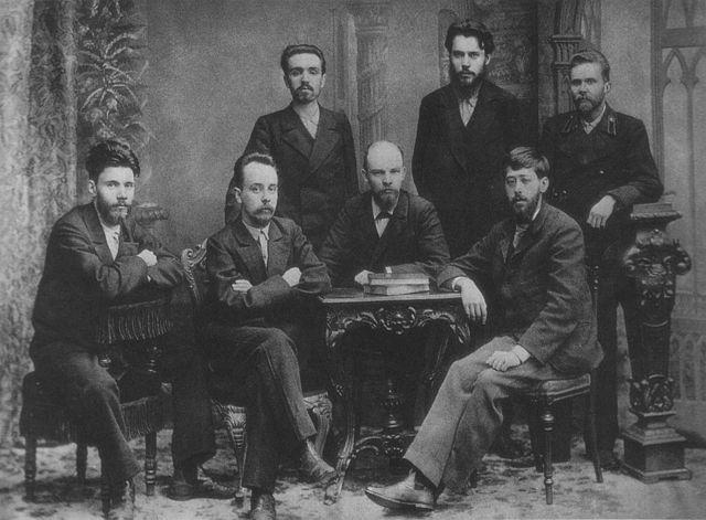Vousatí muži - začátek 20. století